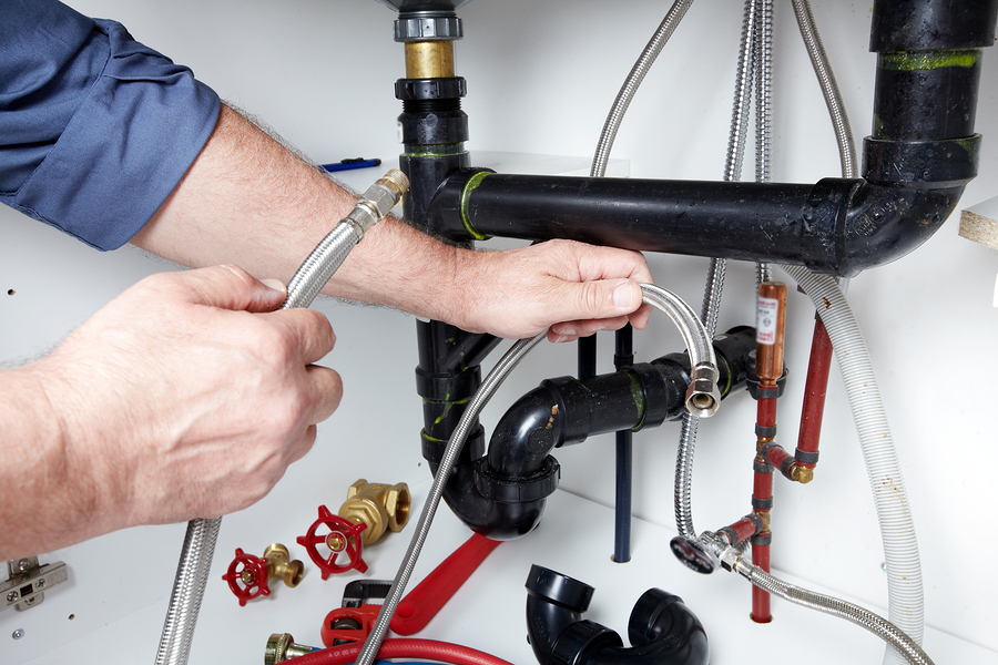 Common Commercial Plumbing Problems That Often Affect Bars