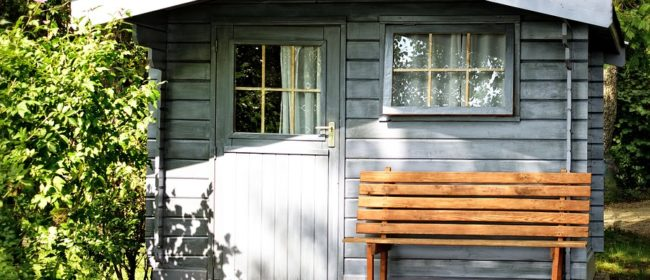 5 Reasons to Build a Backyard Shed
