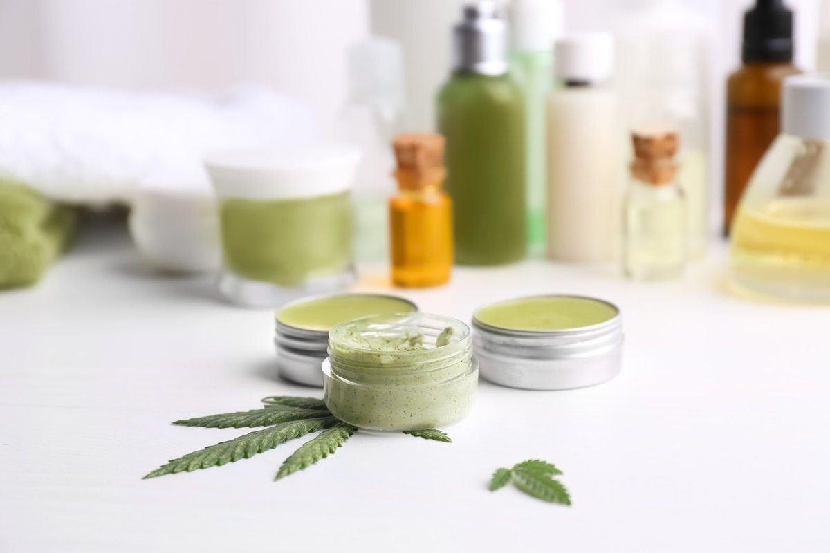 Hemp-Skin-Care-Leaf-shutterstock_721437769.jpg