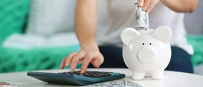 4 Easy Tips on Saving Money